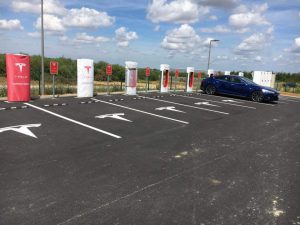 autre-exemple-de-supercharger-tesla
